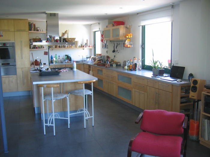 Kirsten, Clyde et Cléo : Espace cuisine