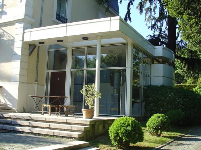 Extension d'une maison individuelle : détail entrée