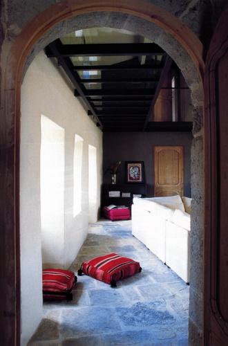 r novation d 39 une maison en ard che balazuc une r alisation de jean yves arrivetz. Black Bedroom Furniture Sets. Home Design Ideas