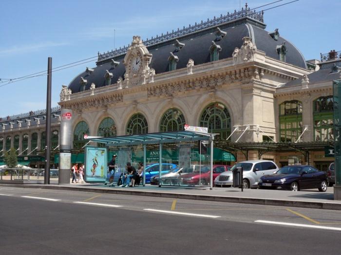 abribus à Lyon : une réalisation de Jean Yves Arrivetz
