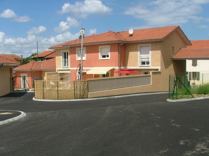 Construction de 13 maisons individuelles groupées : Vue sur cour groupe 1