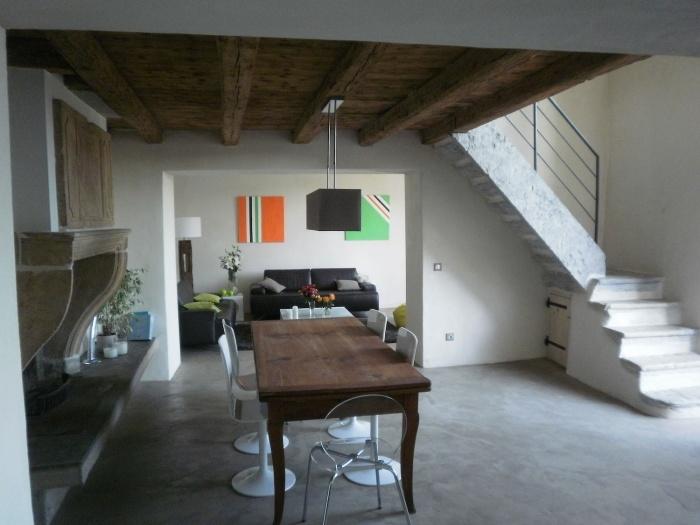 Réaménagement d'une ancienne ferme dans le Rhone : Niveau bas