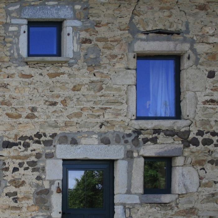 Transformation d'une grange en habitation : fost-architecture_GRIO_03_compo-facade_item-type-1