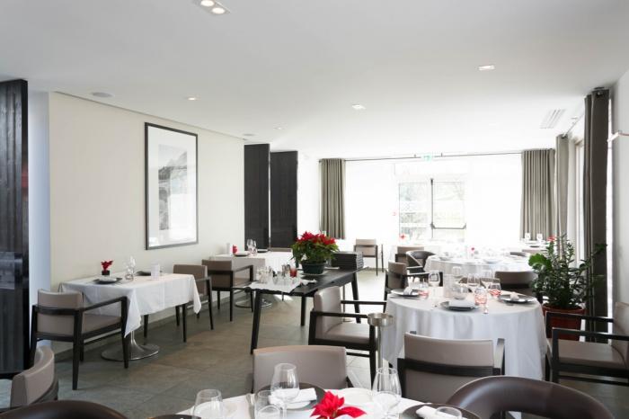 Hotel Restaurant Blanc : ATELIERALEXANDRECHATELARD - 38