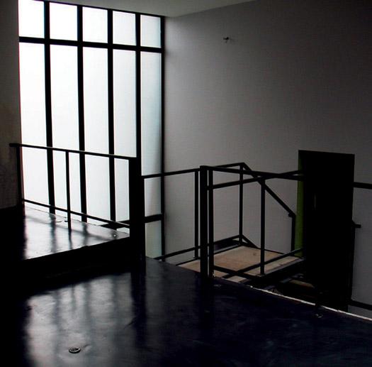 escalier d'accès à Mezzanine